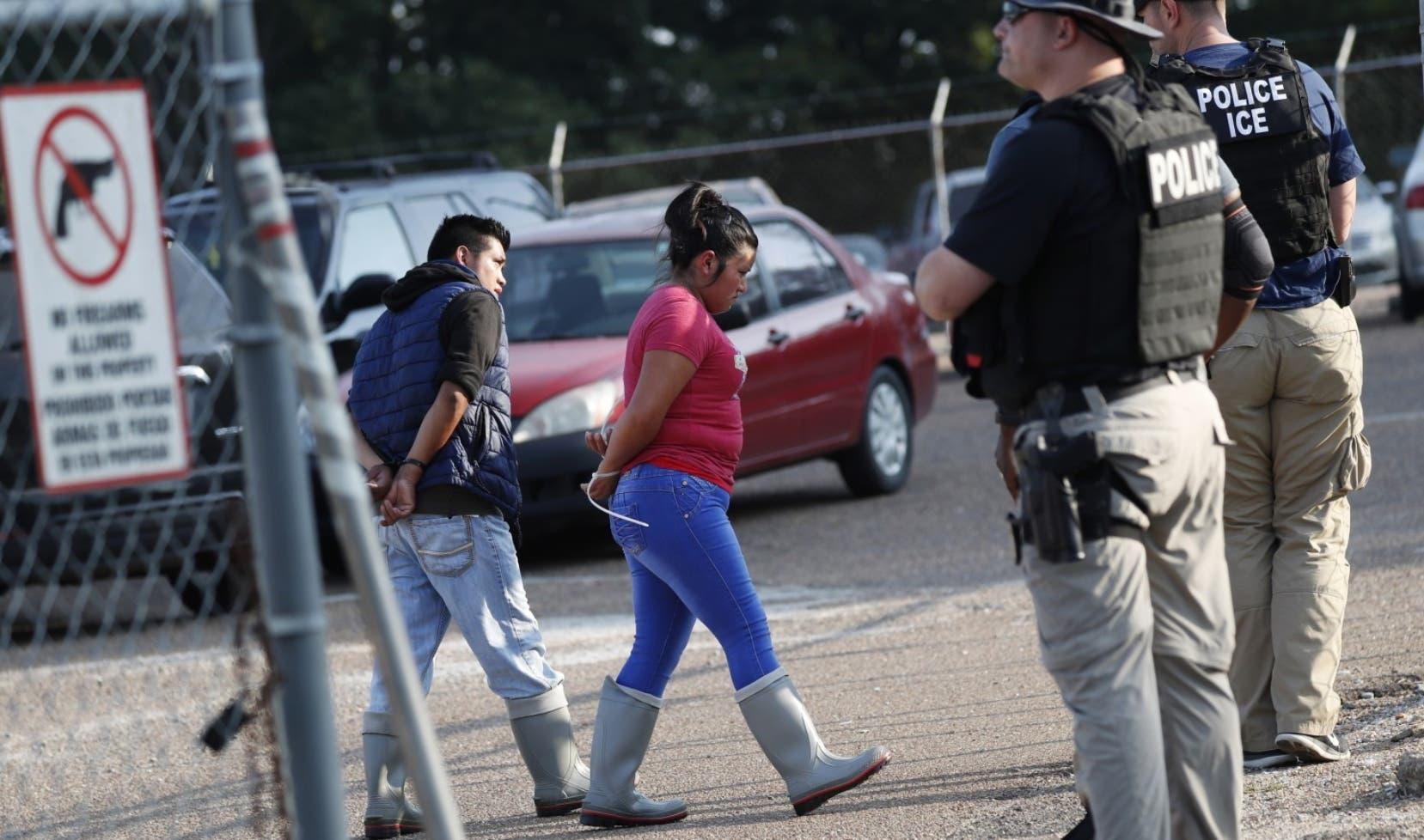 Gobierno de EE.UU. suspende las redadas de inmigrantes