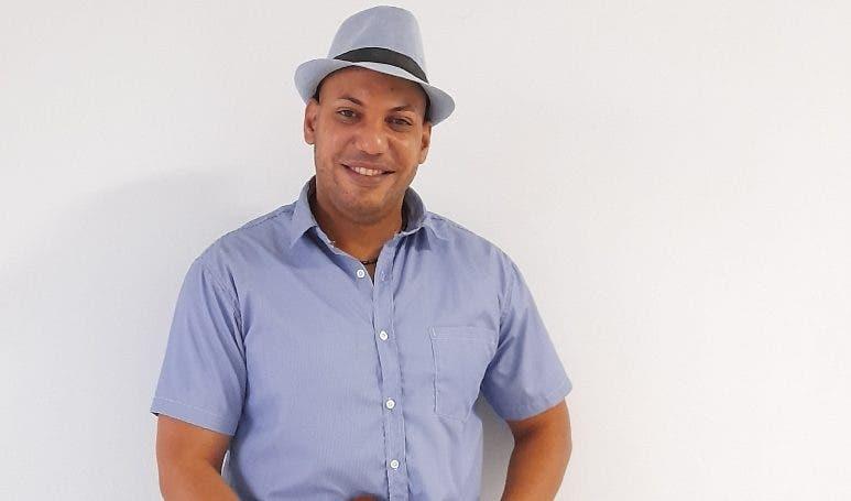 Erol Díaz se mueve entre la buena música y  psicología