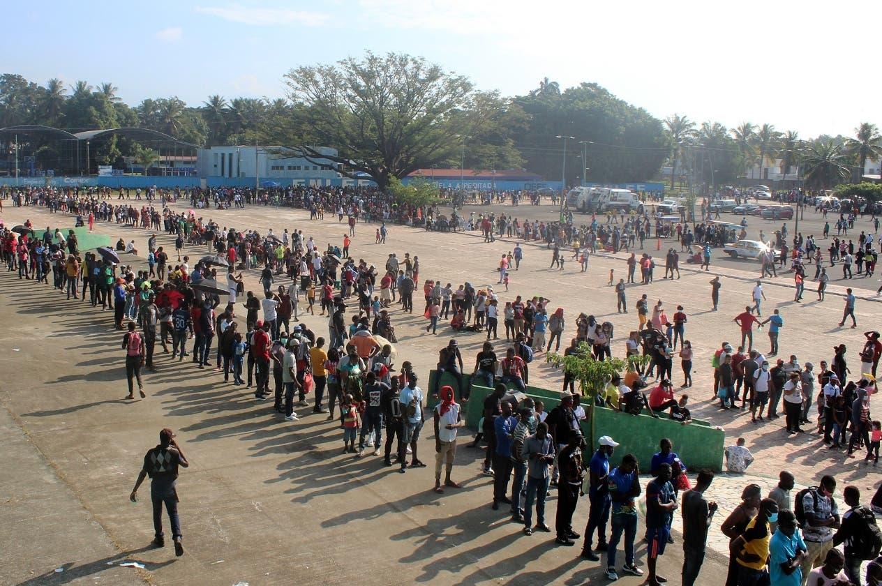 Ola de migrantes  haitianos desborda albergues de México
