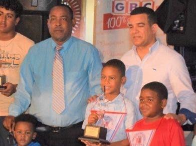 La Academia Luisito premia sus jugadores