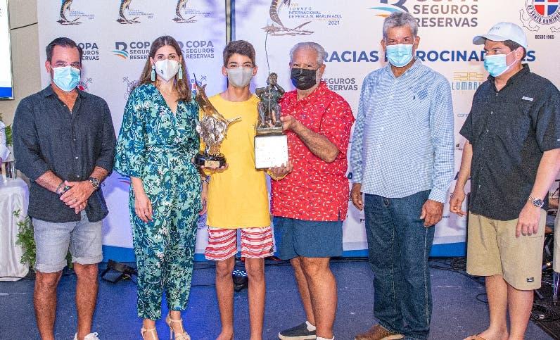 Diego Villeya  logra torneo marlin azul