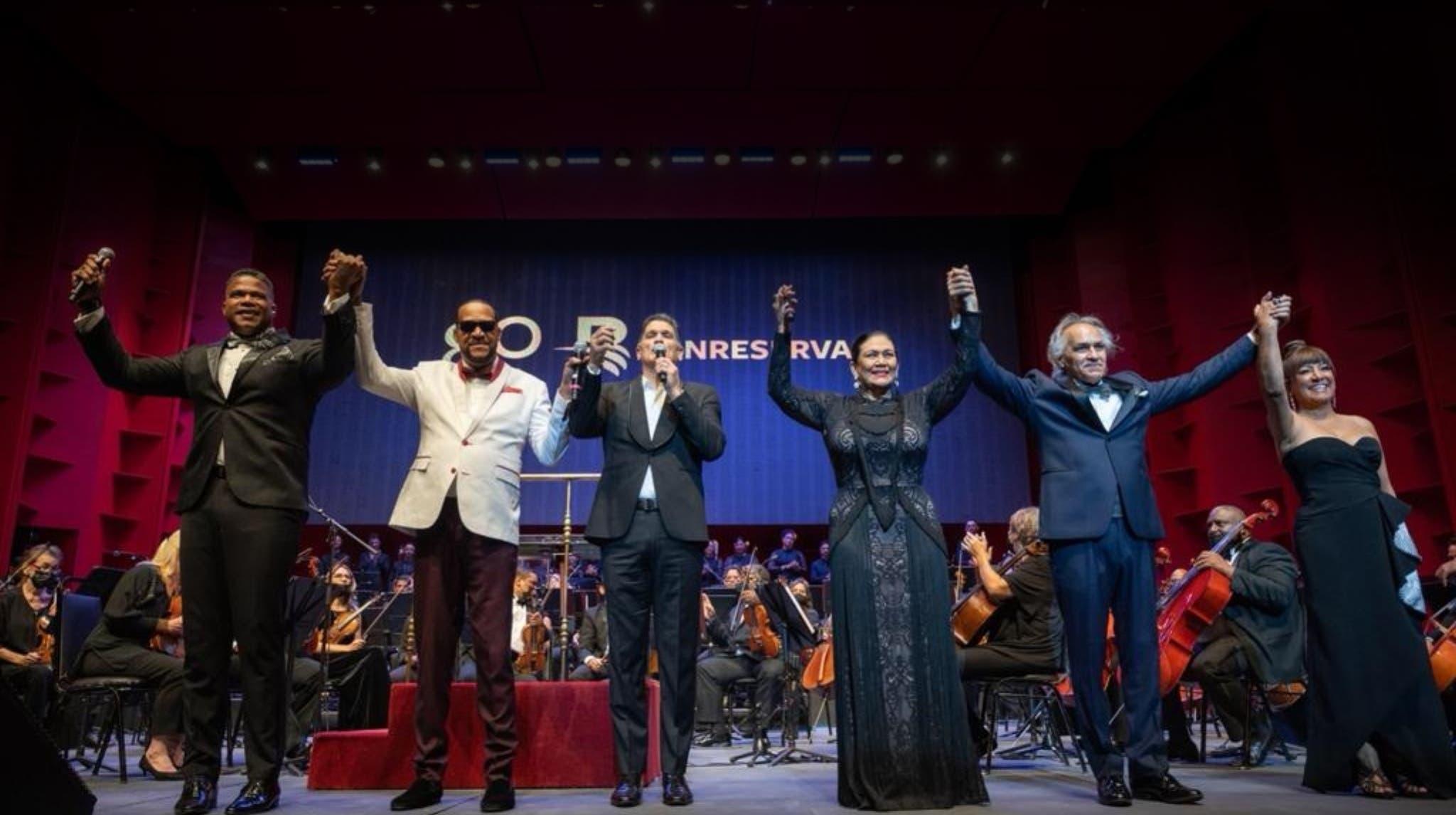 La Sinfónica ofrece memorable  concierto de música popular