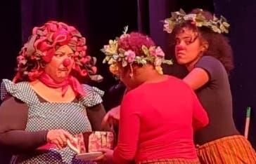"""Café Ópera""  da inicio al Festival Teatro de la Juventud"
