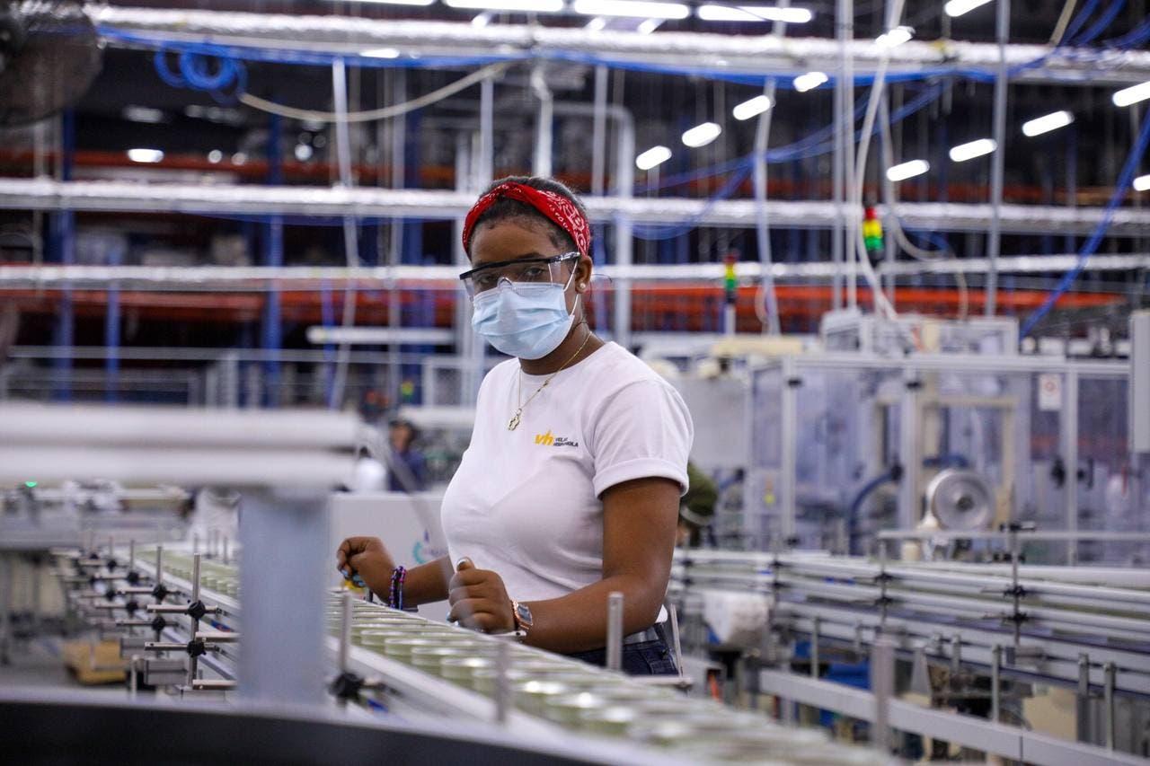 Banco Central posiciona a la industria, comercio y zonas francas de RD como los sectores con más inversión extranjera