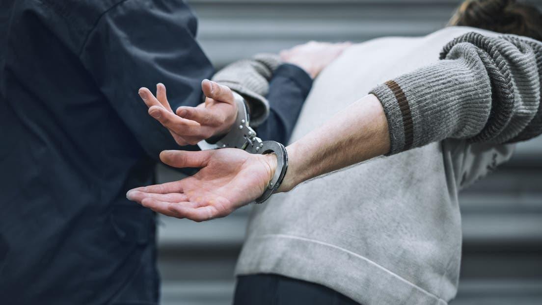 Hombre pide que lo encarcelen porque convivir con esposa es