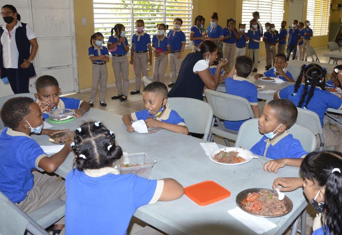 Almuerzo escolar  es valorado primer día
