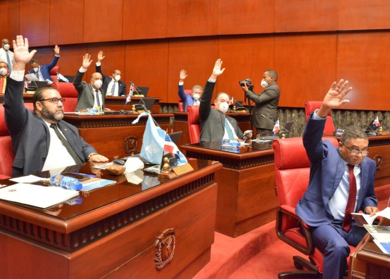 Senado aprueba en primera lectura ley elimina exenciones impositivas