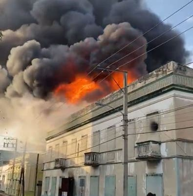 Bomberos mueren en incendio de Casa Mora