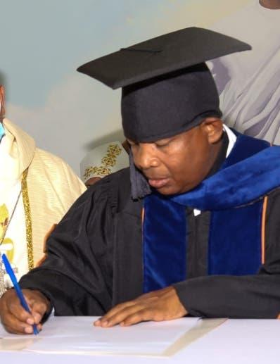 Rector de la UCATEBA fue juramentado ayer