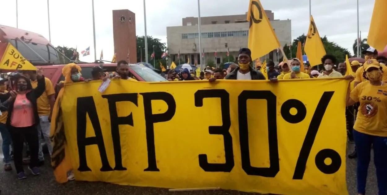Tema 30% de AFP provoca más interés que Ley Seguridad Social