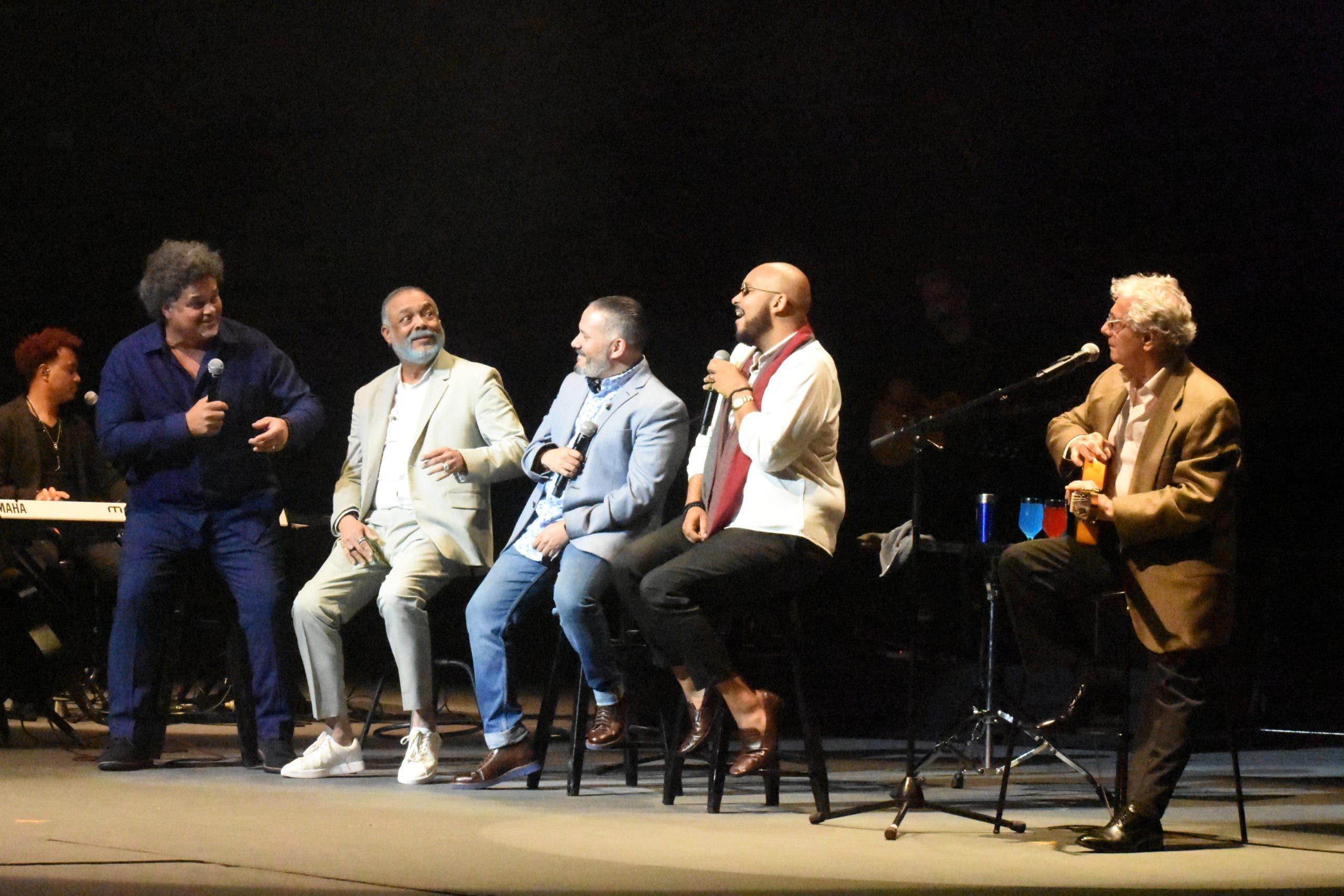 Francisco Céspedes emociona con sus canciones a seguidores en el TN