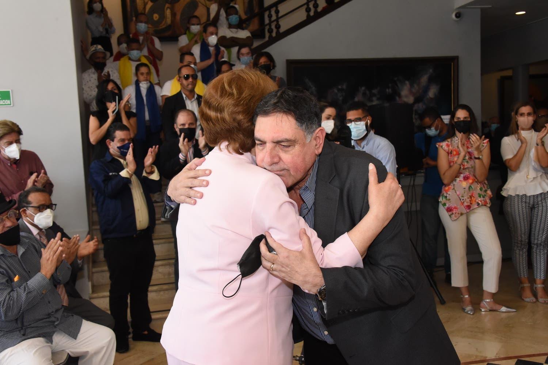 Cultura realiza emotivo acto en reconocimiento a gestión de Carmen Heredia