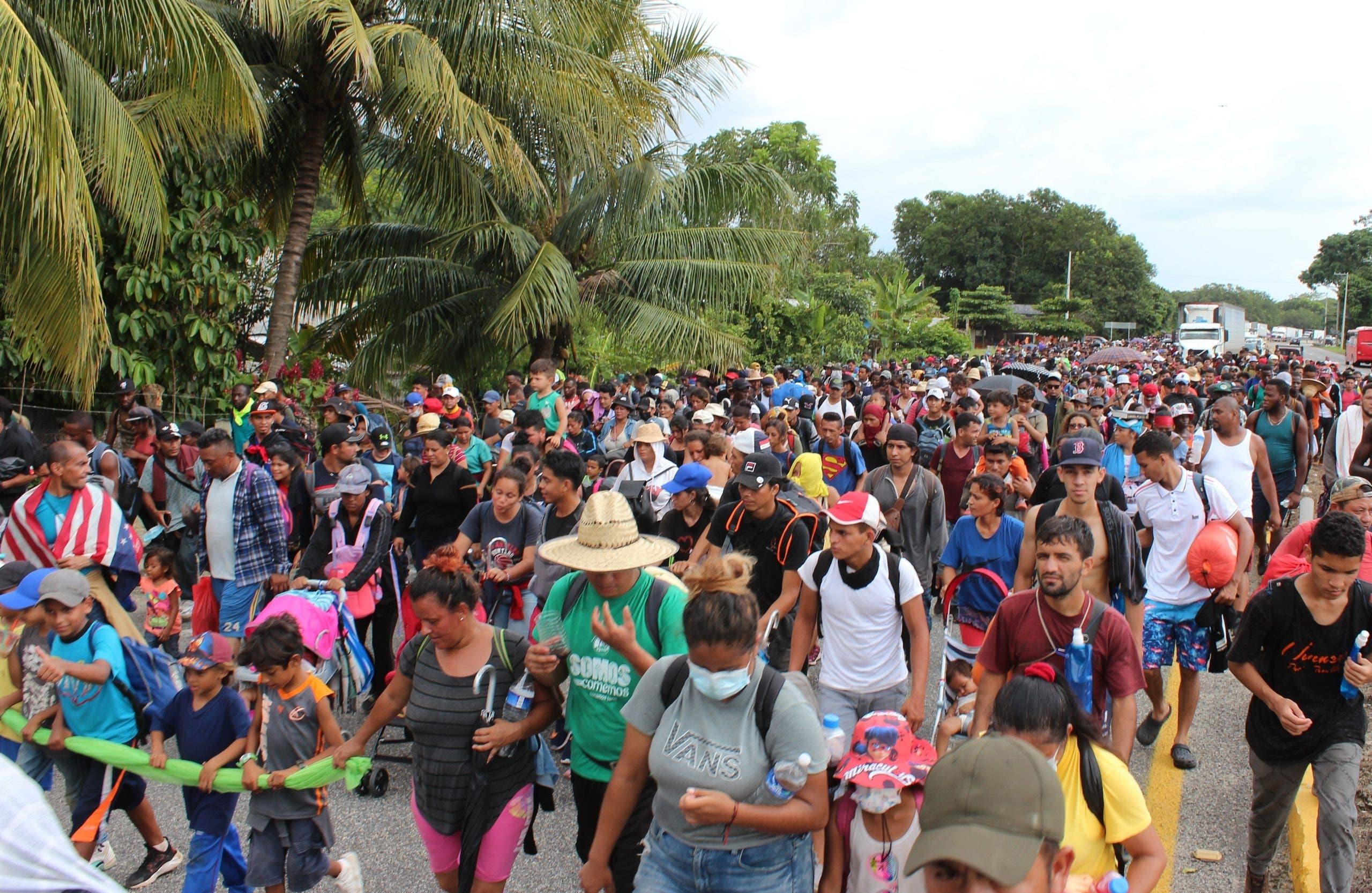 Más de 2.000 migrantes siguen en ruta por el sur México