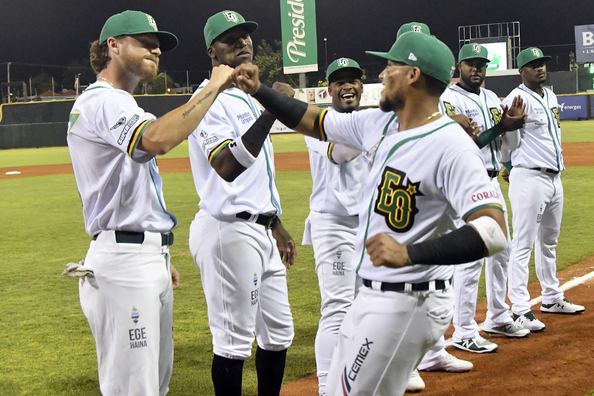 Estrellas blanquean Toros en labor combinada de 6 pitchers; Montero remolca