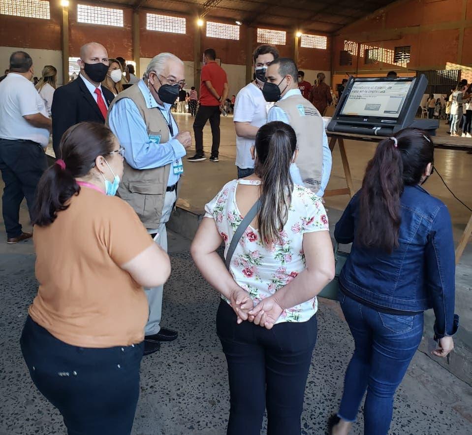 Juez TSE inicia proceso de observación de elecciones municipales en Paraguay