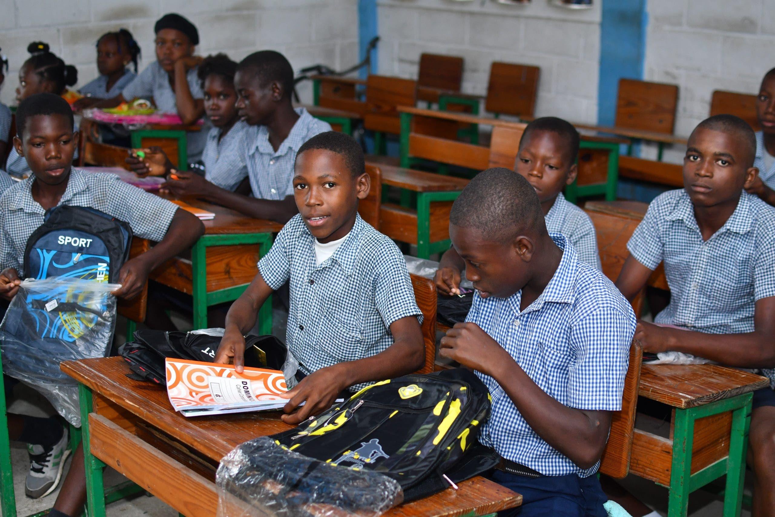 Muy pocos alumnos pueden regresar a las clases tras el terremoto en Haití