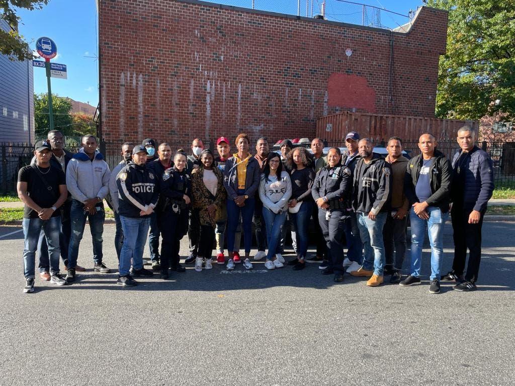 Grupo de agentes policiales viajan a New York para recibir entrenamientos
