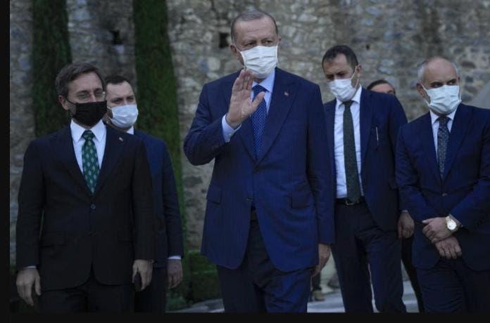 Presidente de Turquía ordena la expulsión de 10 embajadores