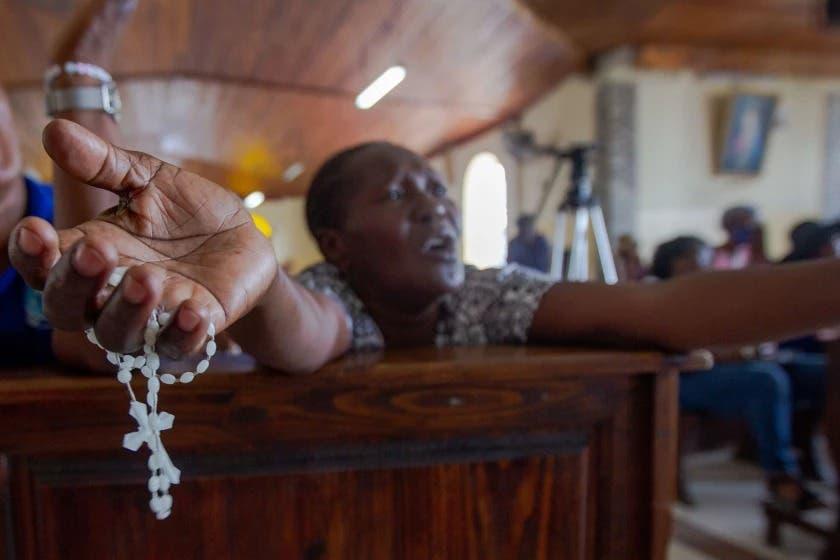 Misioneros secuestrados en Haití están en manos de banda brutal, según medios