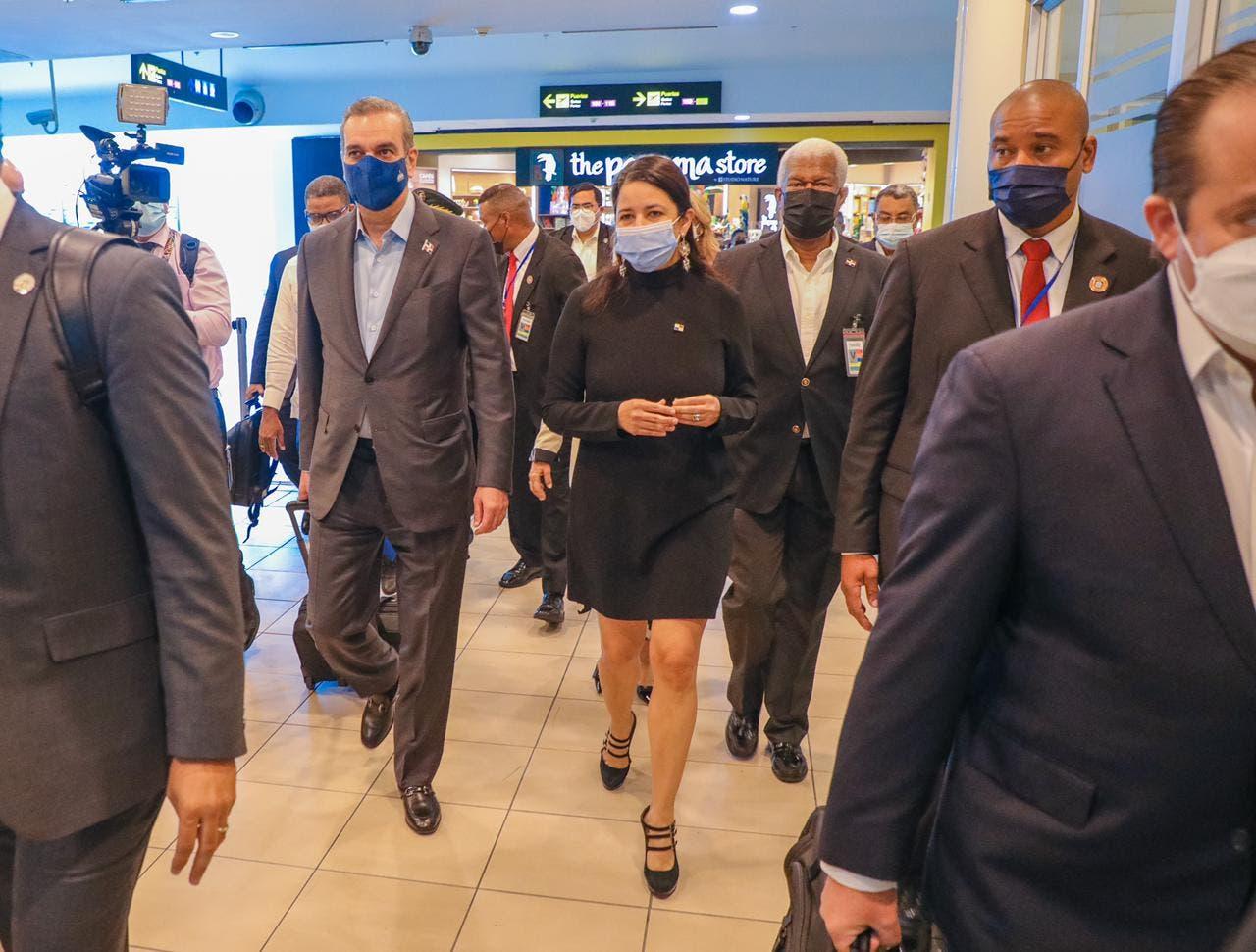 Presidente Abinader llegó a Panamá y detalla su agenda de trabajo