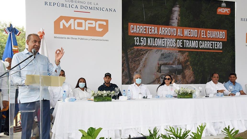Obras Públicas inicia construcción de carreteras en María Trinidad Sánchez