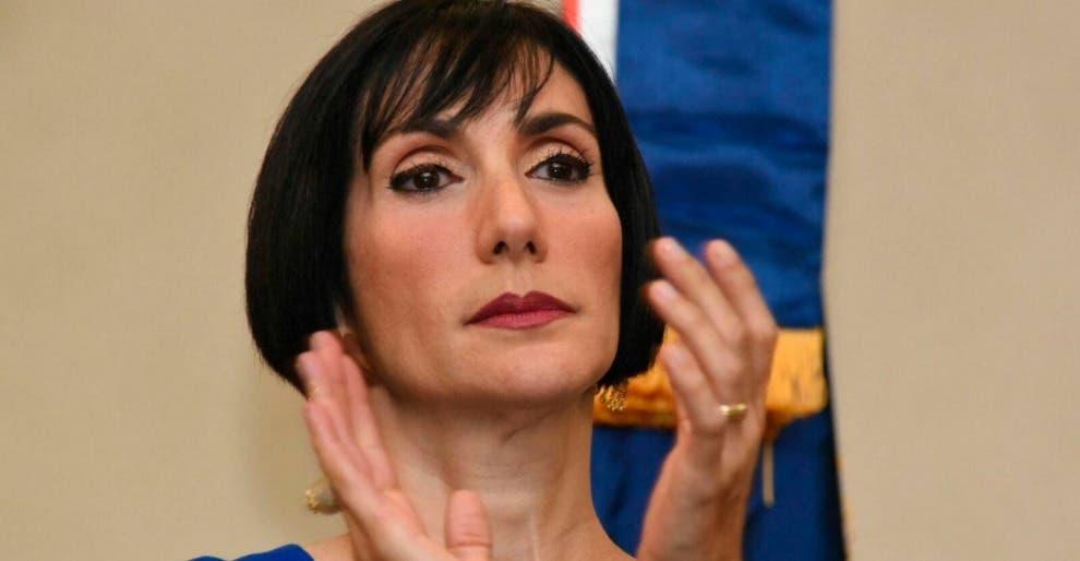 Primera Dama se retracta y dice no es perfecta