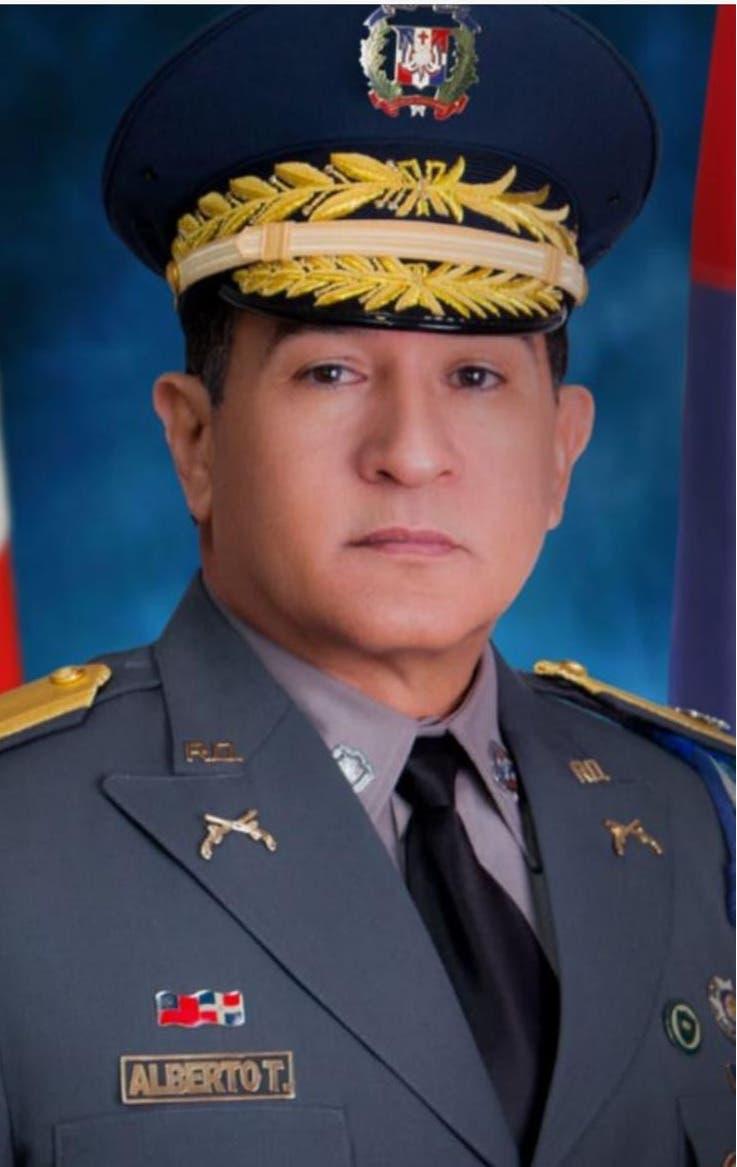 Abinader destituye al director de la Policía Nacional; designan al general Eduardo Alberto Then