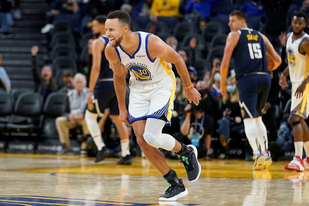 Curry y los triples dan triunfo a Warriors en partido de exhibición
