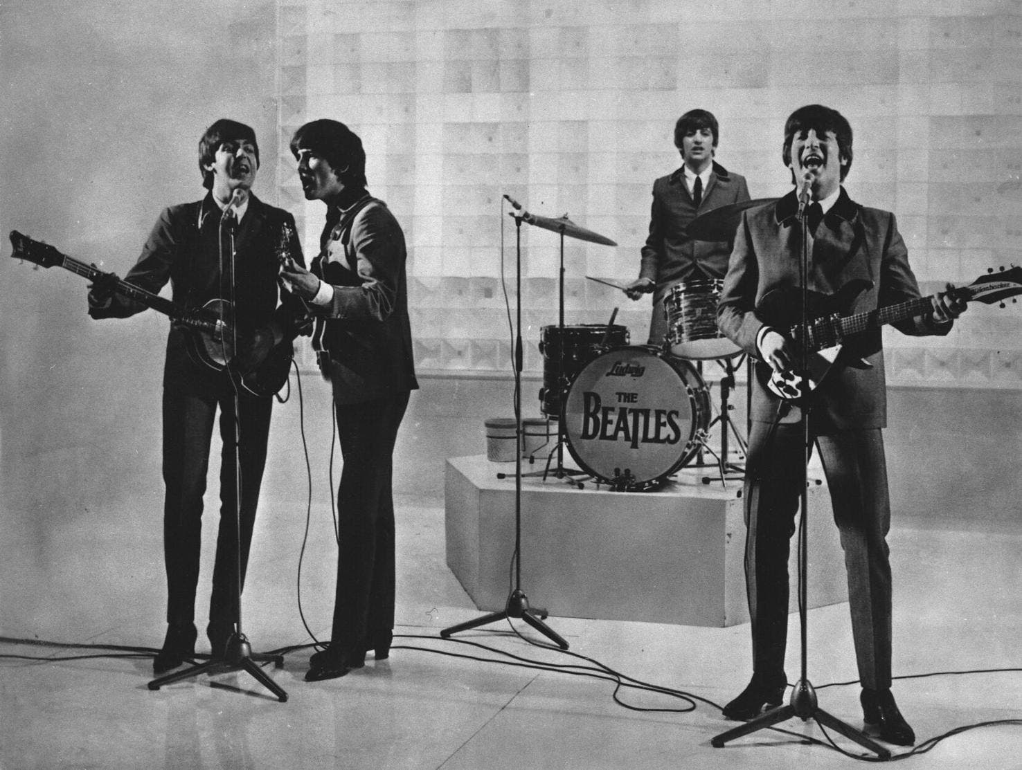 Paul McCartne culpa a Lennon de separación de Los Beatles