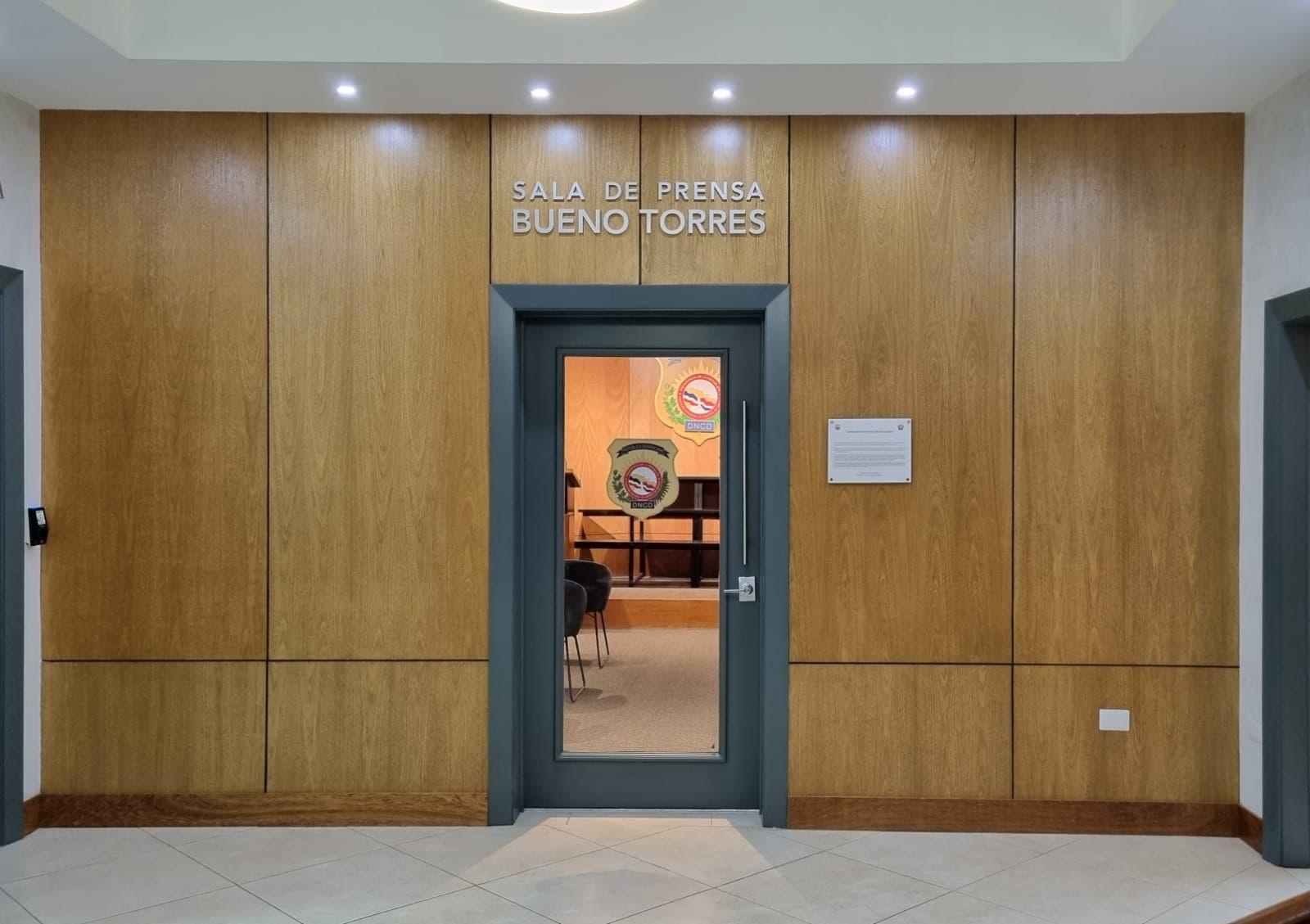 DNCD y ALCORCA inauguran remodelación sala prensa Bueno torres