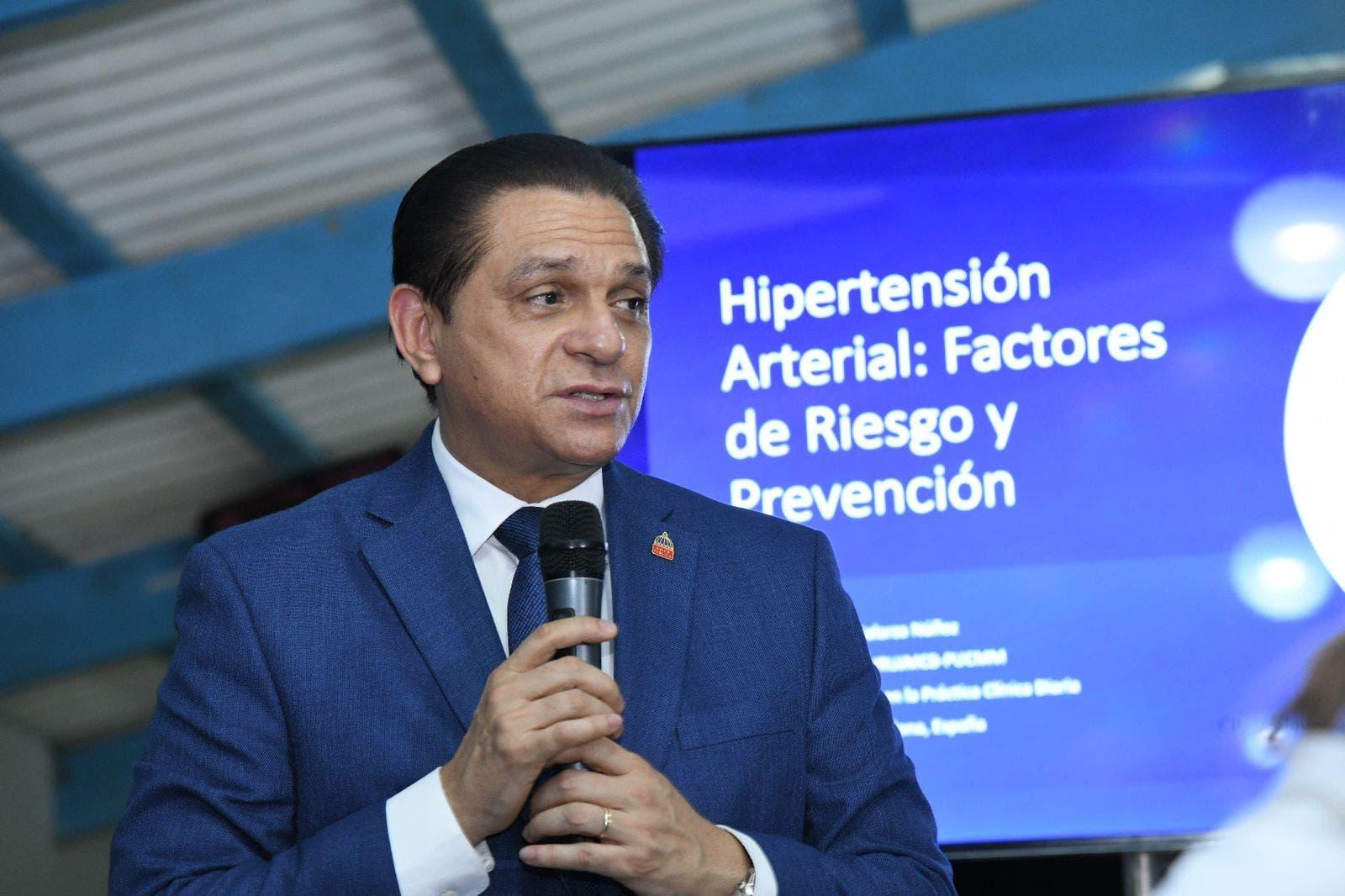 El 50 % de la población de Monte Cristi padece hipertensión, según ministro de Salud