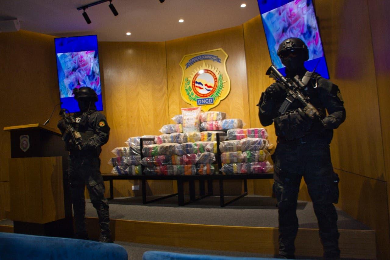 DNCD incauta 248 paquetes de cocaína en costas de Barahona