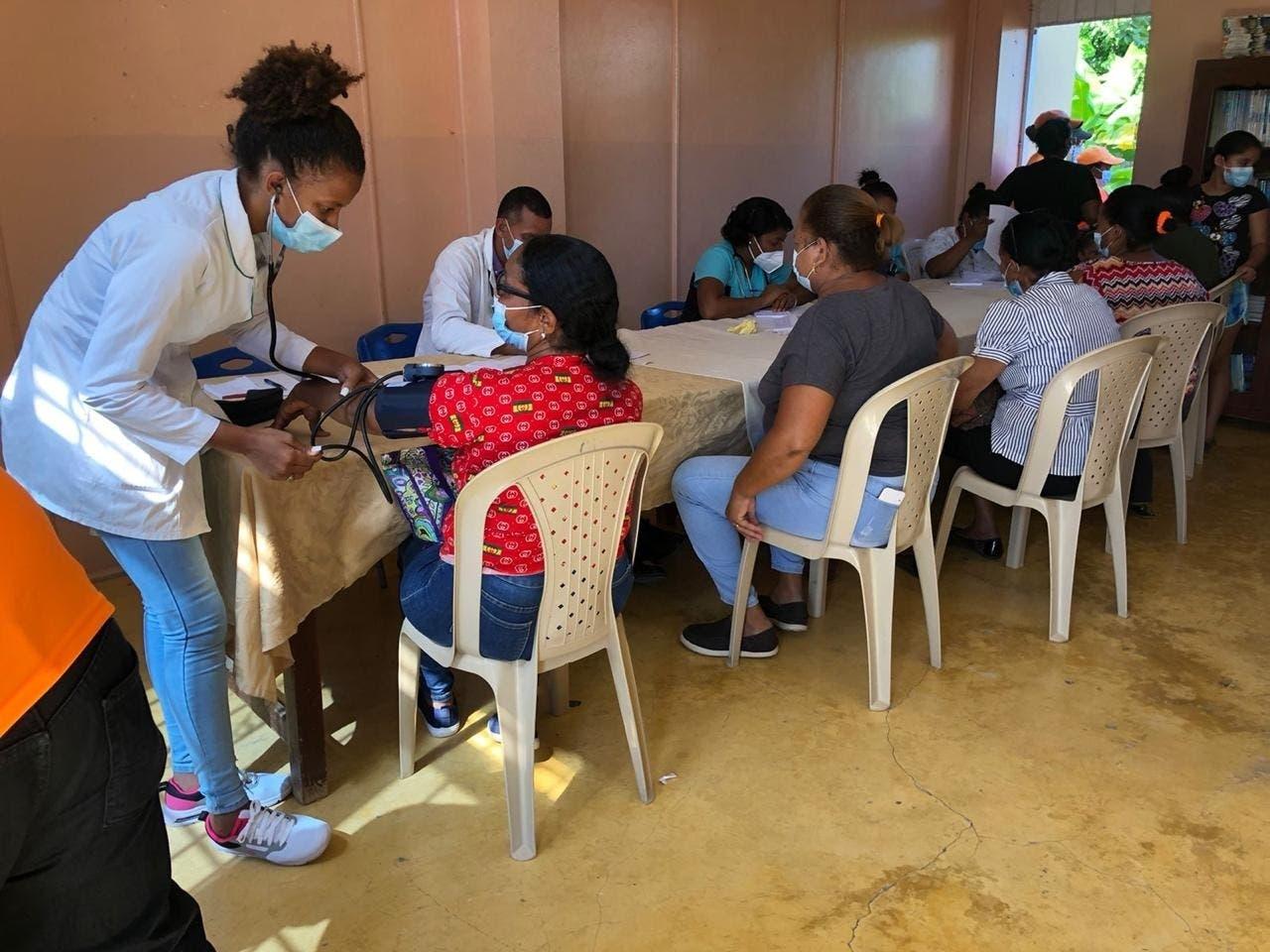 Fundación SOLN realiza operativo de salud en San Juan