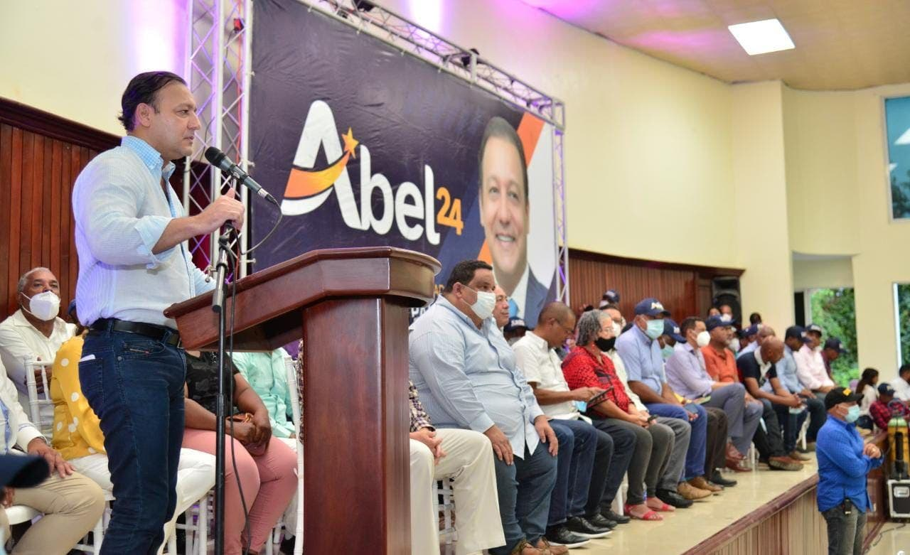 Abel Martínez dice país esté minado de productos agrícolas importados
