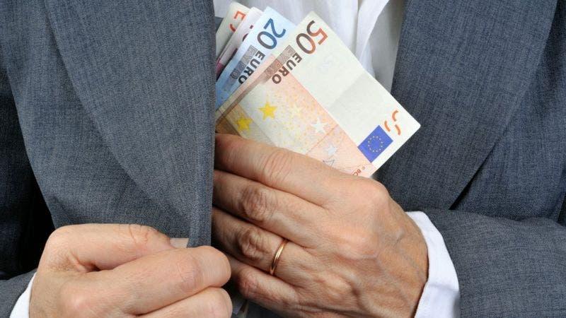 Los esquemas cum-cum y cum-ex que usan algunos accionistas para no pagar miles de millones en impuestos