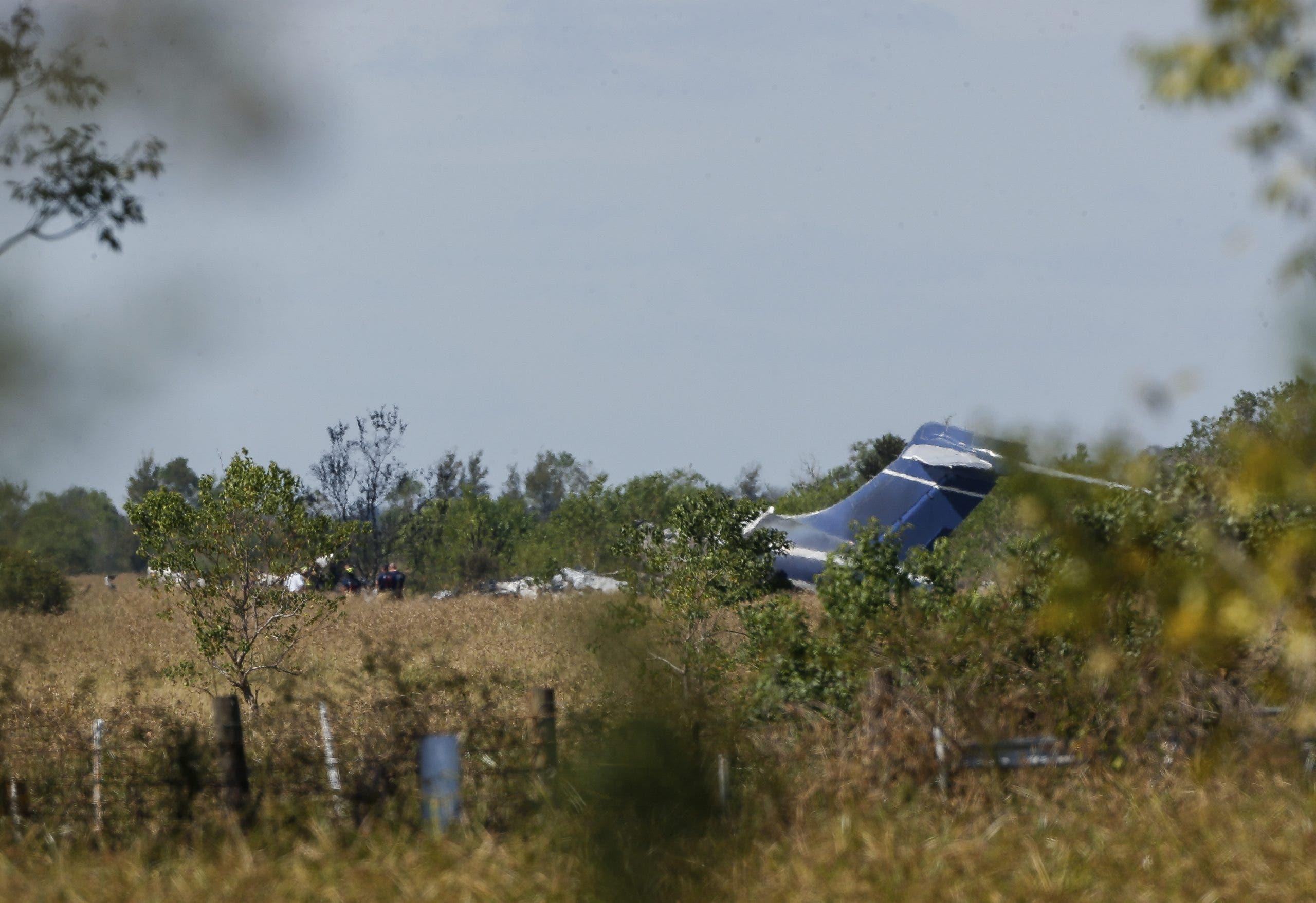 Se estrella un avión en Texas con 21 personas a bordo; una persona resultó herida