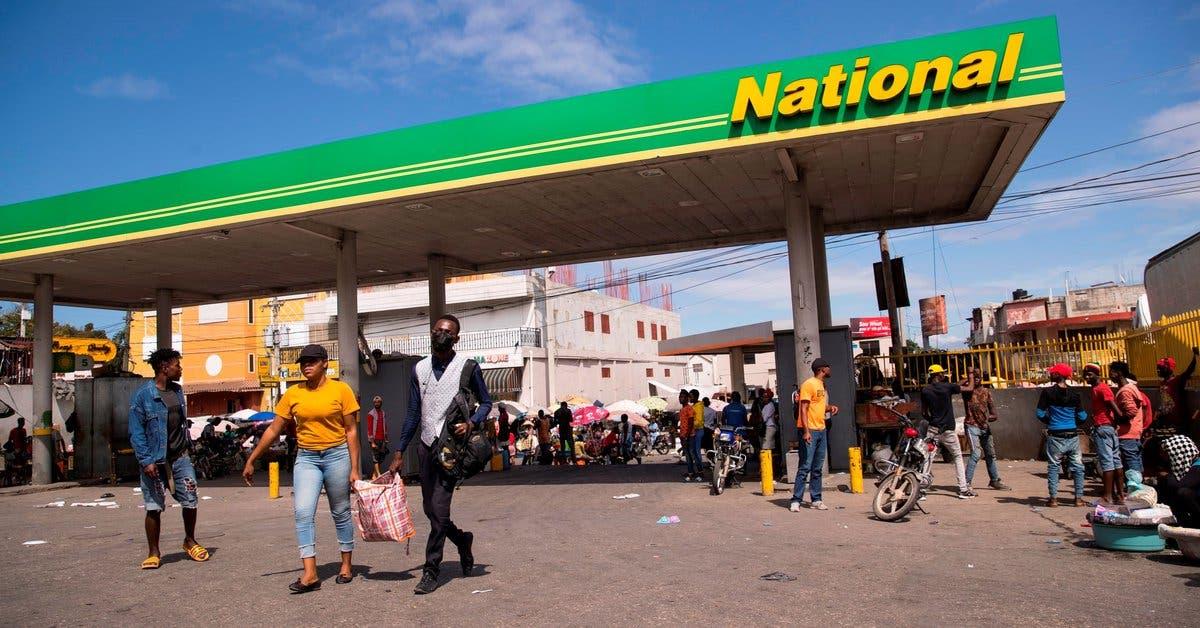República Dominicana despliega militares para evitar tráfico de combustibles a Haití