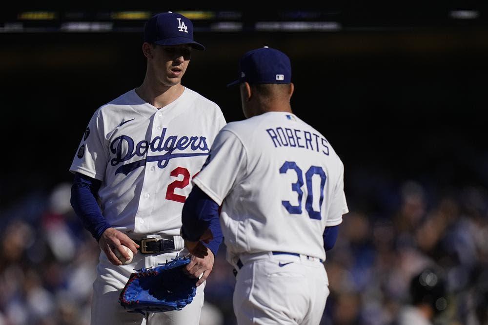 El abridor de Dodgers Buehler será el inicialista contra los Bravos en el juego 6