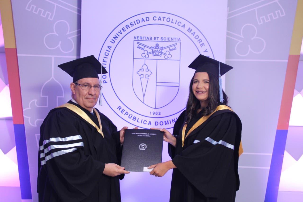 PUCMM celebra 71ª graduación en campus Santo Domingo