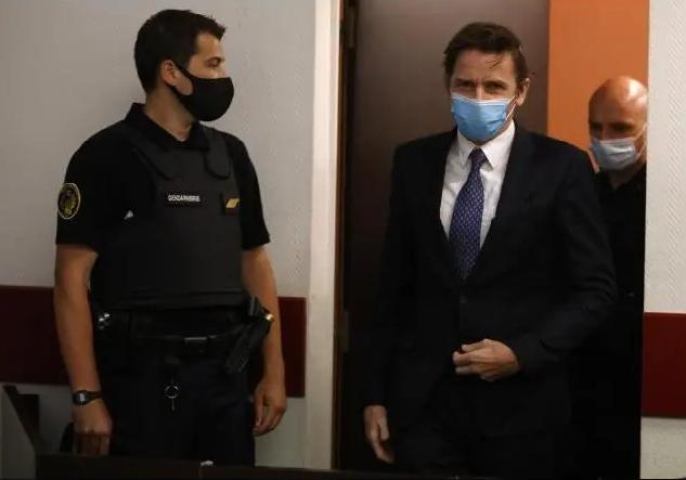 Francia: Acusan de terrorismo a expolítico derechista