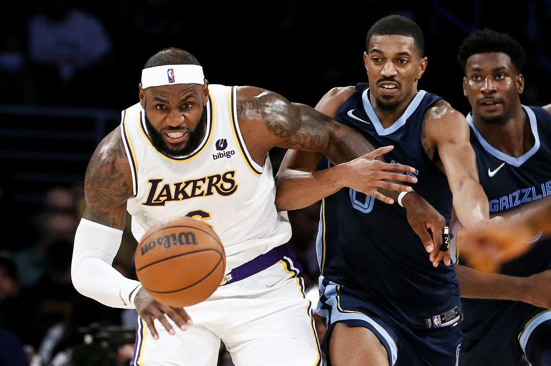 Lakers superan los 40 puntos de Morant y ganan a Grizzlies
