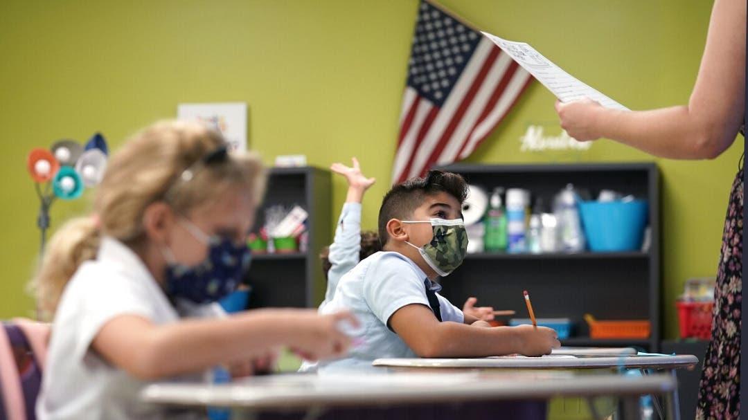 Sopesan relajar uso de mascarillas en escuelas de Miami